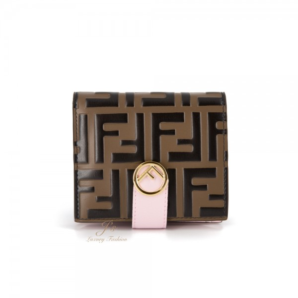 FENDI LEATHER COMPACT WALLET IN BROWN/ PINK
