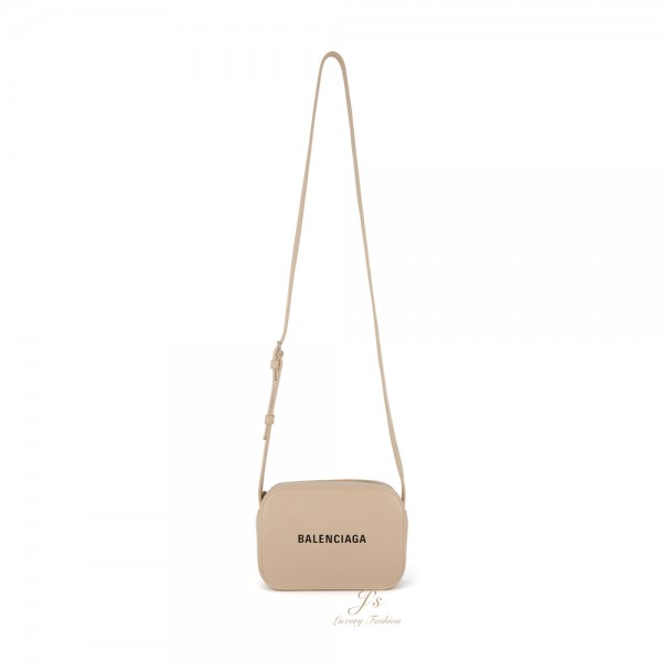 BALENCIAGA EVERYDAY CAMERA BAG XS IN BEIGE CALFSKIN