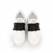 VALENTINO GARAVANI ROCKSTUD UNTITLED TONE-ON-TONE STUDDED SNEAKER IN WHITE/BLACK CALFSKIN LEATHER