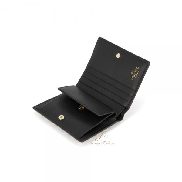 VALENTINO GARAVANI ROCKSTUD COMPACT ROCKSTUD SMALL WALLET IN BLACK