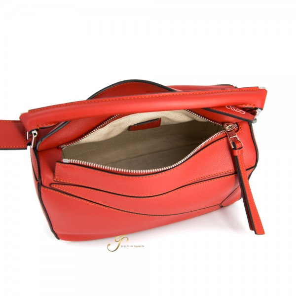 LOEWE PUZZLE SMALL LEATHER SHOULDER BAG IN POMODORO