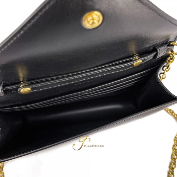 CELINE MAILLON TRIOMPHE WALLET ON CHAIN IN SHINY CALFSKIN-BLACK